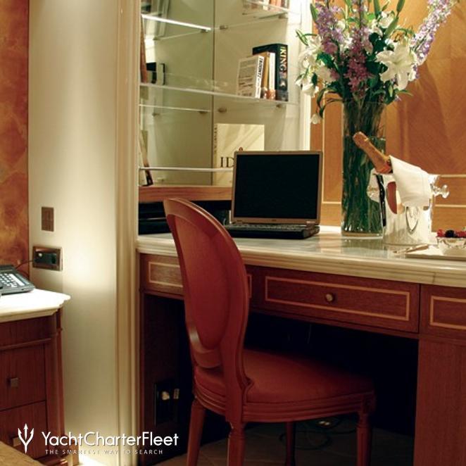 Guest Stateroom - Desk