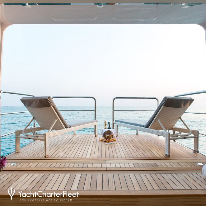 Beach Club - Balcony