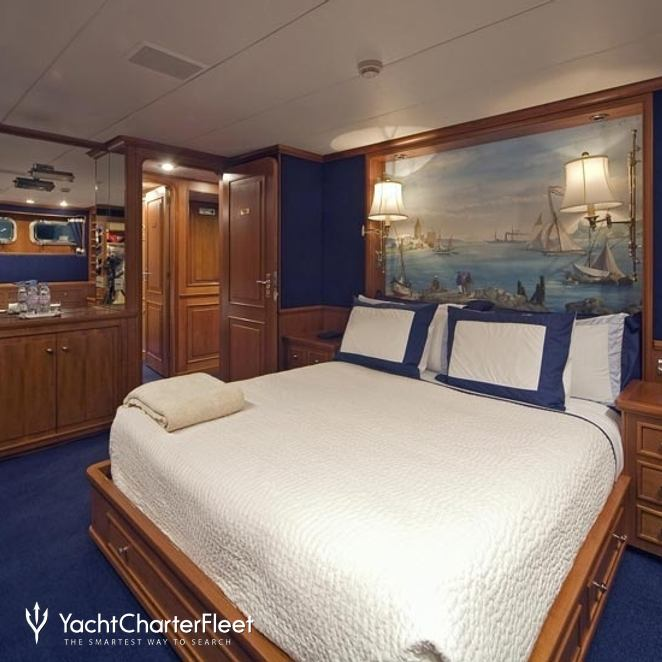Guest Stateroom with Queen