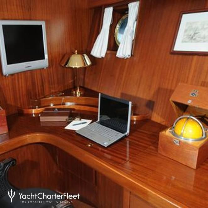 Master Stateroom - Desk