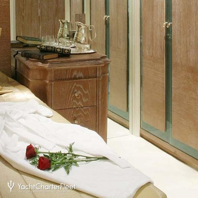 Guest Stateroom - Roses