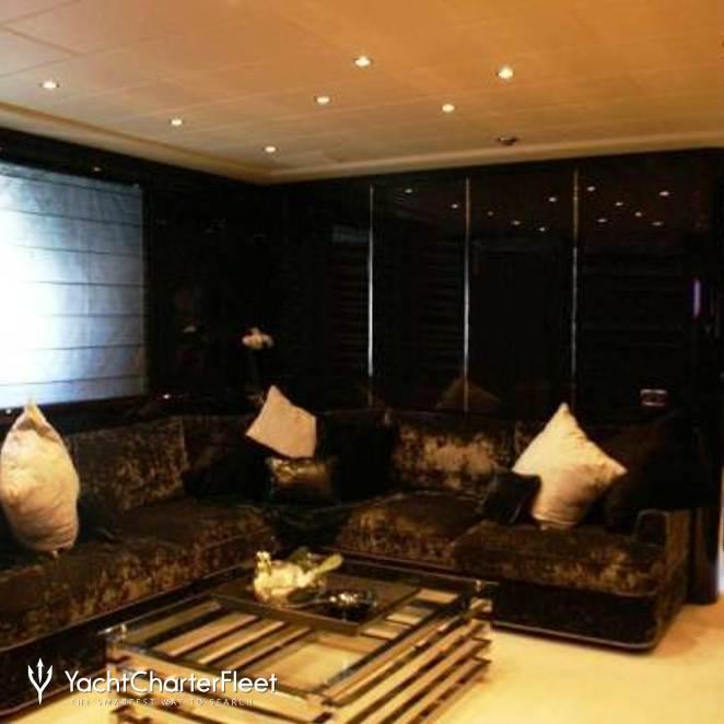Master Stateroom - Salon