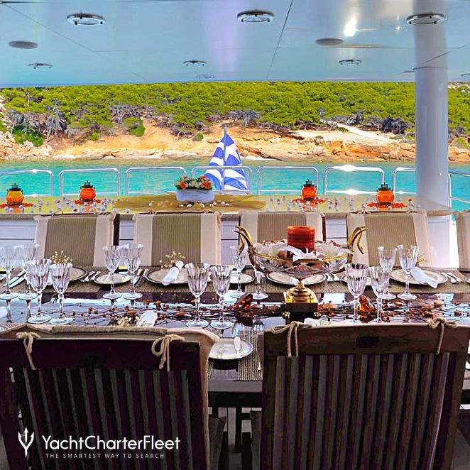 Upper Deck Aft Dining