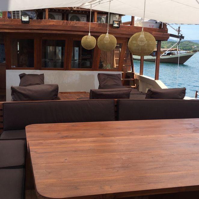 Nyaman Boat photo 4