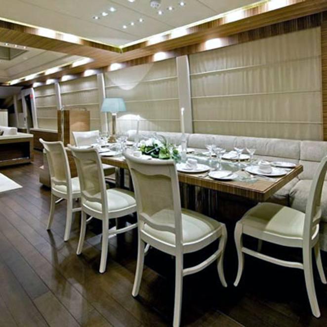 Dining & Salon