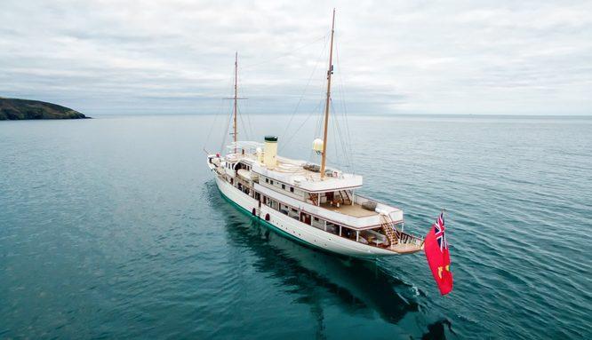 luxury yacht Haida 1929 cruising in the Mediterranean on a charter vacation