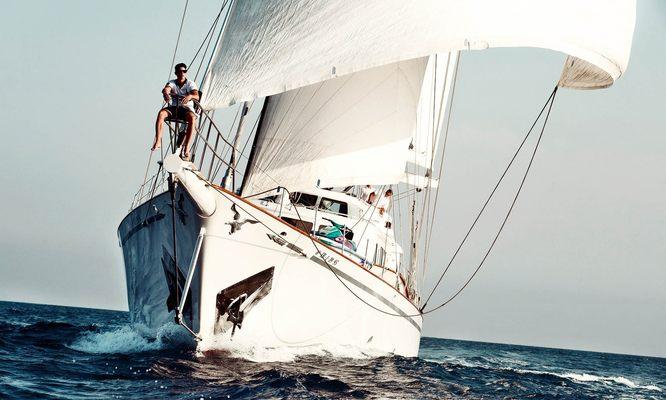 Aiglon Yacht Running Shot - Front View