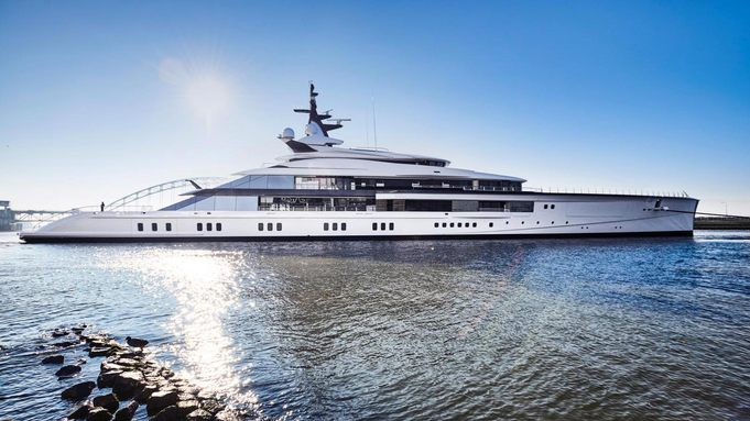 Video: Oceanco's 109m M/Y 'Project Bravo' hits the water