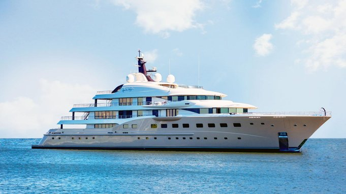 superyacht Here Comes The Sun cruising on a Caribbean yacht charter