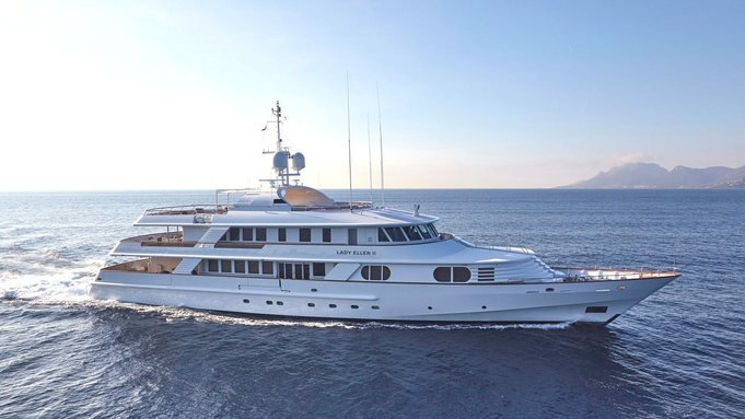 superyacht Lady Ellen II cruising on a Greece yacht charter