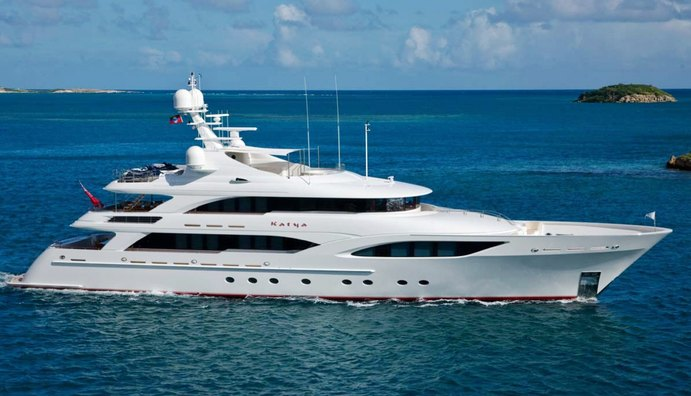 AVALON Yacht Review