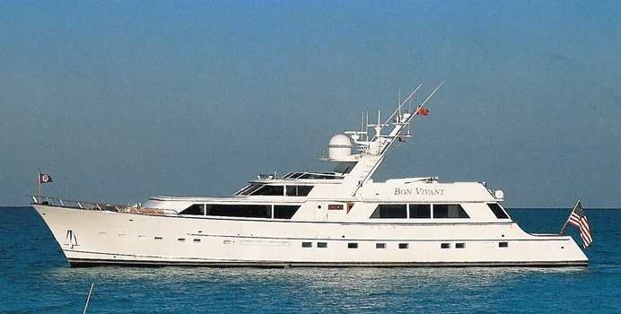 Independence yacht charter Burger Motor Yacht