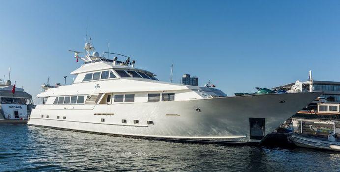 S & U yacht charter Broward Motor Yacht