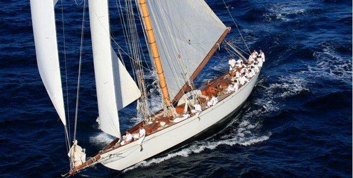 Moonbeam IV Yacht Charter in St Tropez