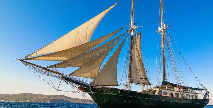 Arktos Yacht Charter in Corfu