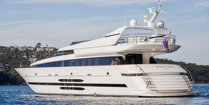 Mohasuwei yacht charter Cantieri di Pisa Motor Yacht