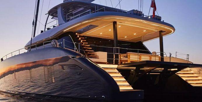 Genny yacht charter Sunreef Yachts Motor/Sailer Yacht