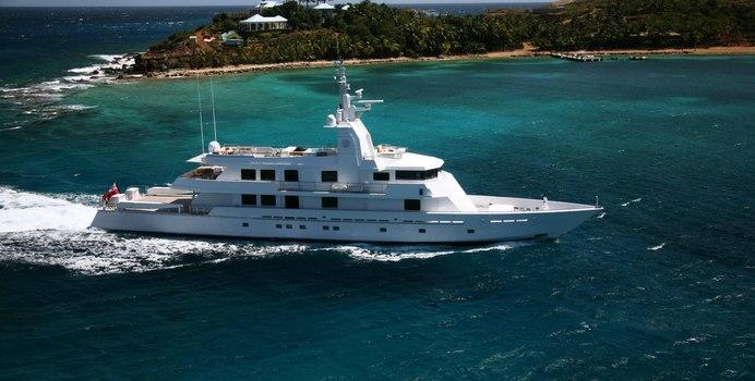 Mizu yacht charter Oceanfast Motor Yacht