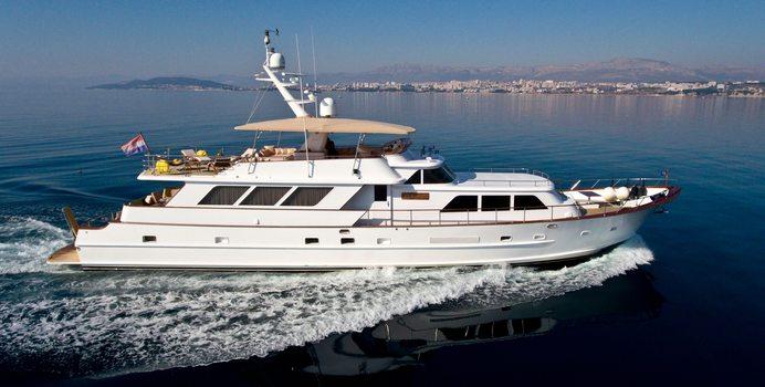 Auriane yacht charter Broward Motor Yacht