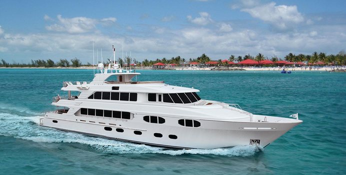 Catching Moments Yacht Charter in Mexico