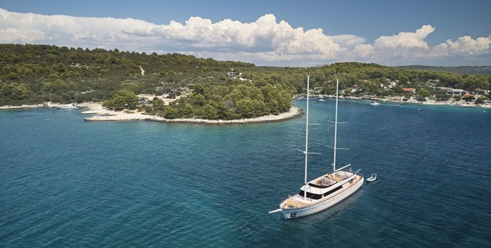 Love Story Yacht Charter in Vis