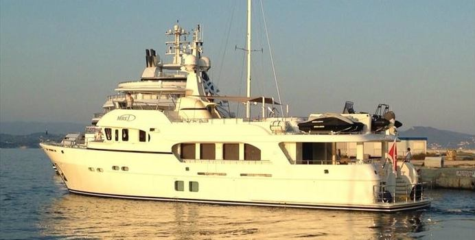 Galena charter yacht exterior designed by Vripack
