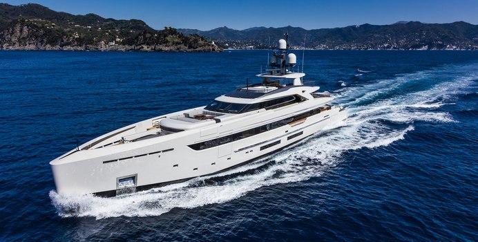 Vertige yacht charter Tankoa Yachts Motor Yacht