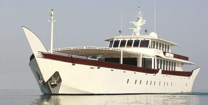 Warsan Yacht Charter in Arabian Gulf