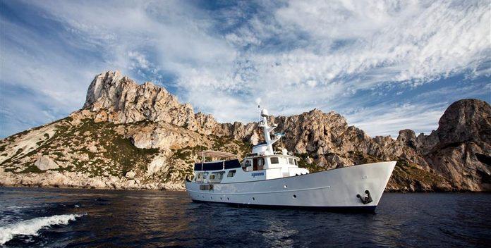 Spoom yacht charter Gideon Shipyards Motor Yacht