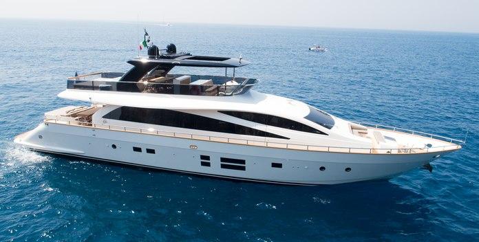 Baccarat yacht charter Amer Motor Yacht