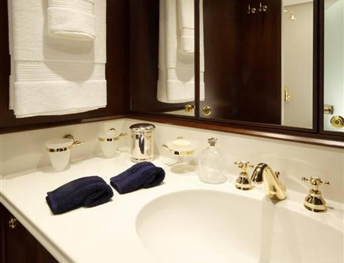 Bathroom - Detail