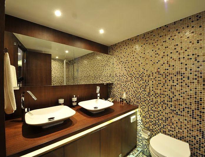 Master Bathroom - Detail