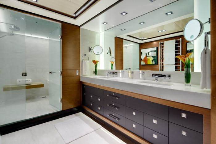 Kokomo yacht charter price alloy yachts luxury yacht charter for Master ensuite bathroom ideas