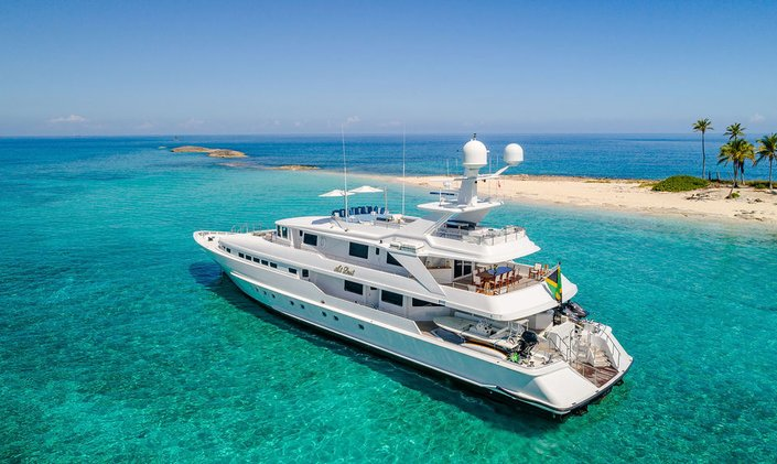 Bahamas charter special: last-minute availability for 44m AT LAST
