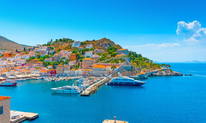 Greece to welcome tourist yacht charters from mid-May