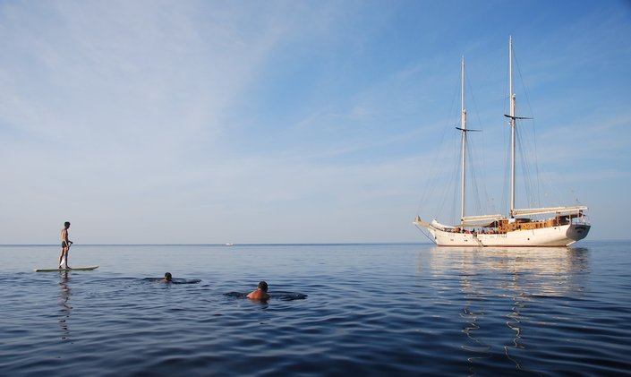 Discover Indonesia for Less Aboard S/Y 'Mutiara Laut'