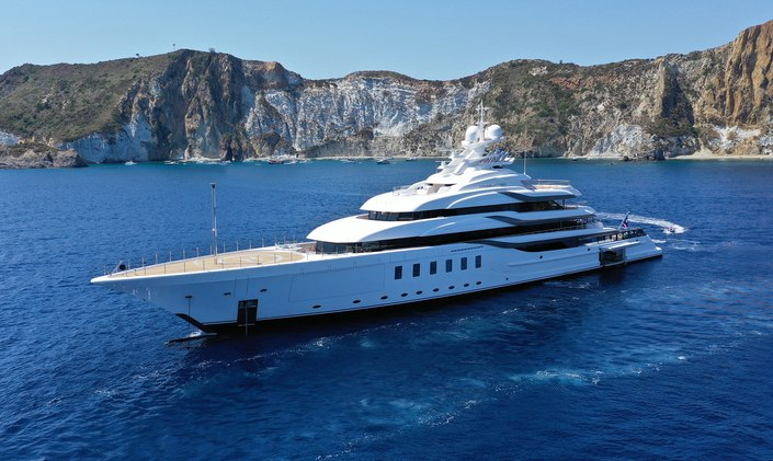 M/Y MADSUMMER now available for select yacht charters