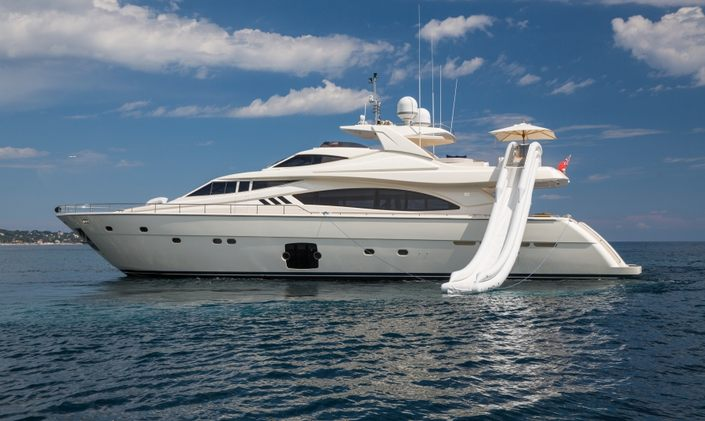 Corsica yacht charter deal: M/Y 'Porthos Sans Abri' lowers rate