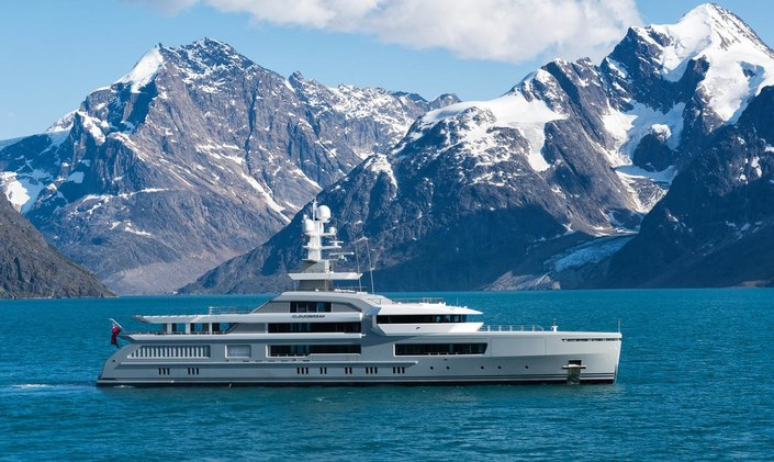 M/Y CLOUDBREAK Up for 3 ShowBoats Awards