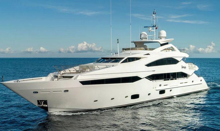 luxury yacht ANYA underway