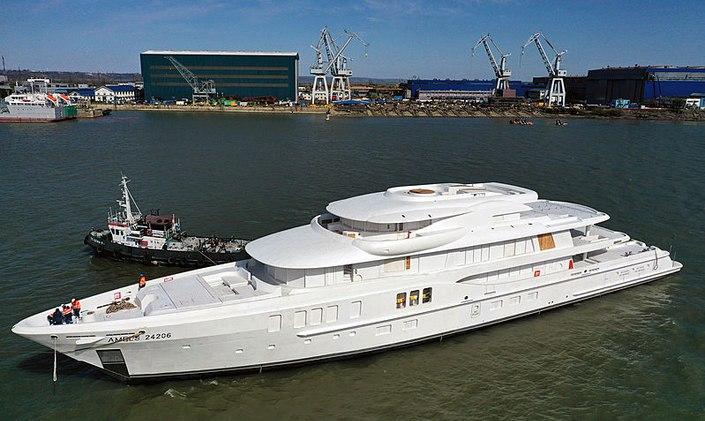 amels yacht launching