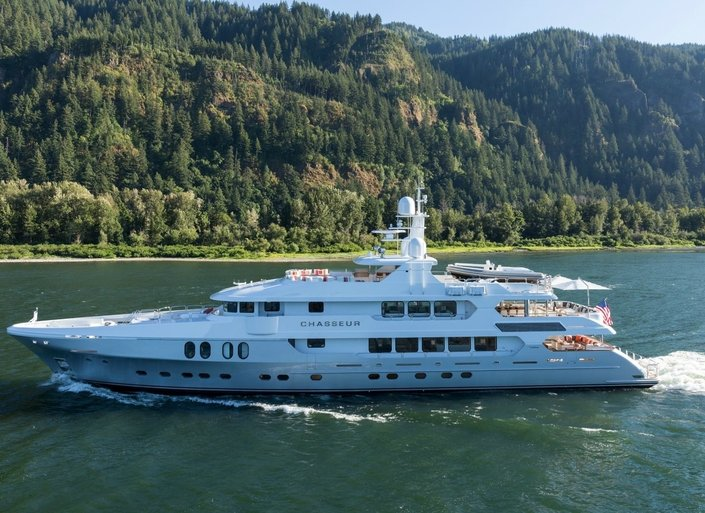 Where to book a yacht charter right now: USA Edition