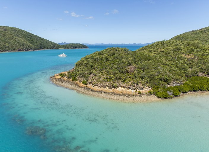 Best by boat: How to visit the Whitsundays on a yacht charter