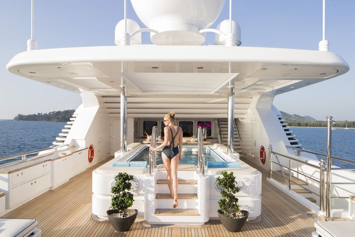 M/Y TITANIA Cruises in South East Asia this Christmas