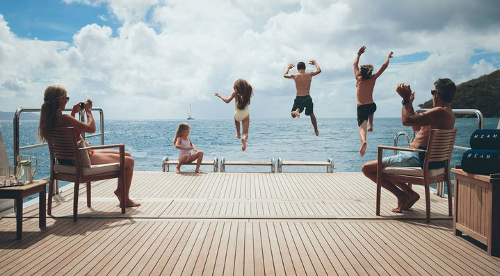 Where should I go on a Thanksgiving yacht charter?