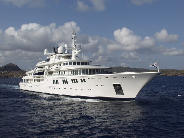 charter yacht TATOOSH underway during a yachting vacation in the Caribbean