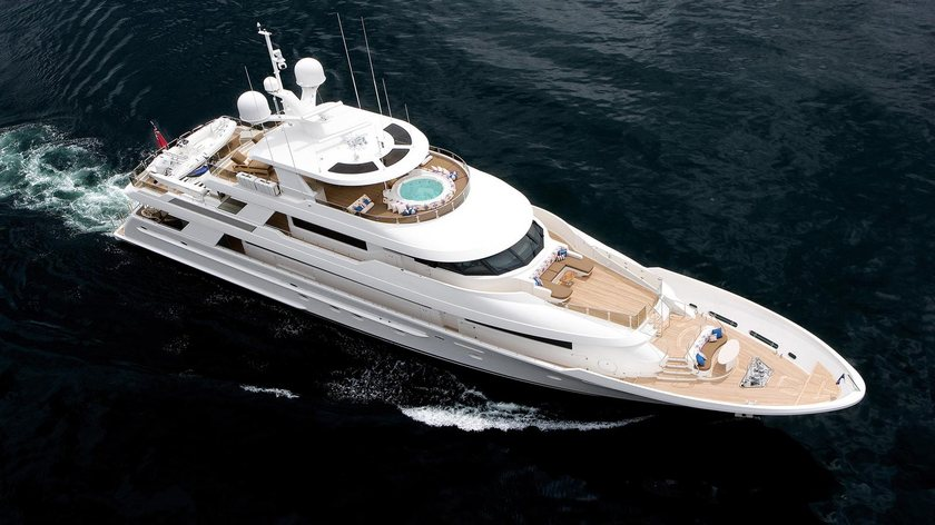 Westport M/Y 'Far Niente' Heads to St Lucia