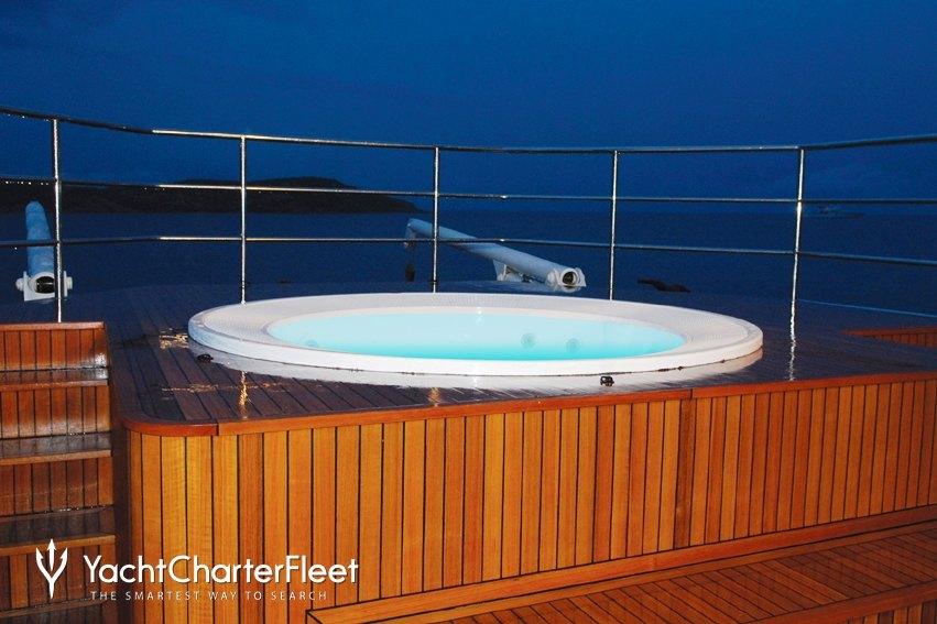 ARIETE PRIMO Yacht Charter Price - Dunston Shipyard Luxury Yacht Charter