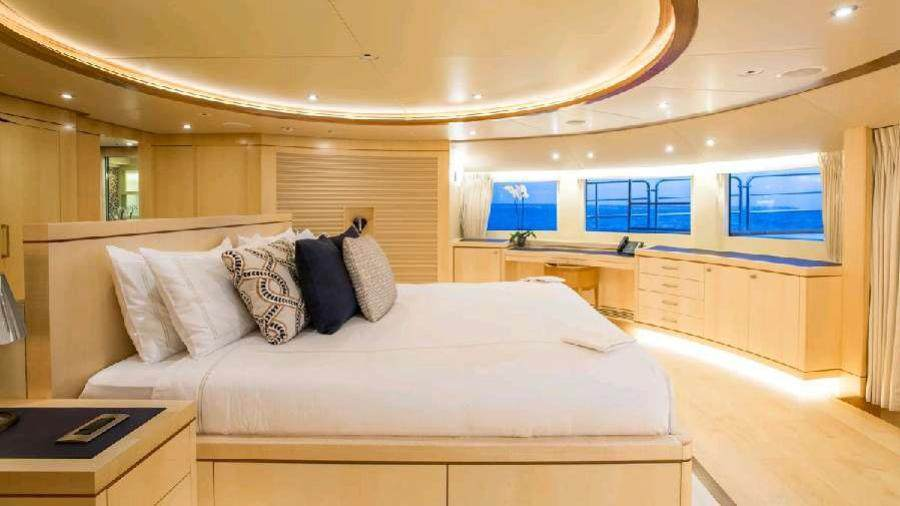 Blue Vision Yacht Underway View Photo Gallery
