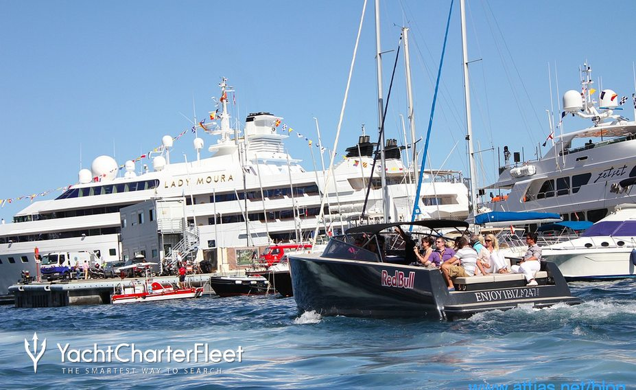 Superyacht tenders taxi guests around